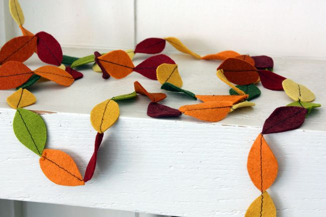 Just Make Stuff Blog...Felt Leaf Garland