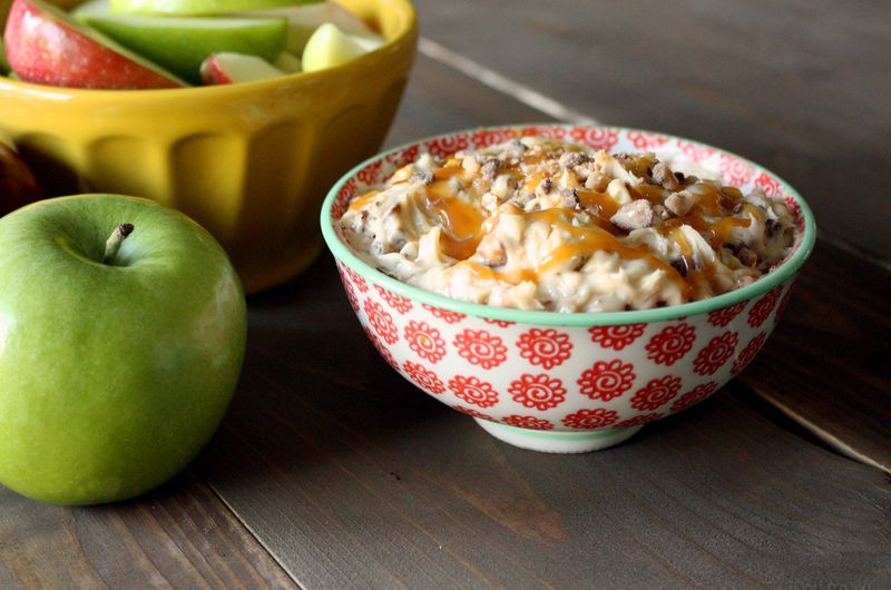 Just Make Stuff Blog...Creamy Caramel Apple Dip