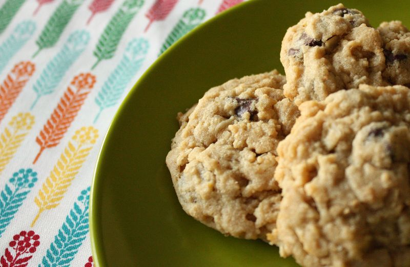 Just Make Stuff Blog...Chocolate Chip Peanut Butter Oatmeal Cookies
