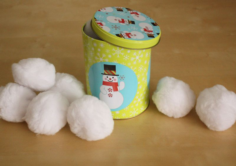 Just Make Stuff Blog...Snowball Toss Game