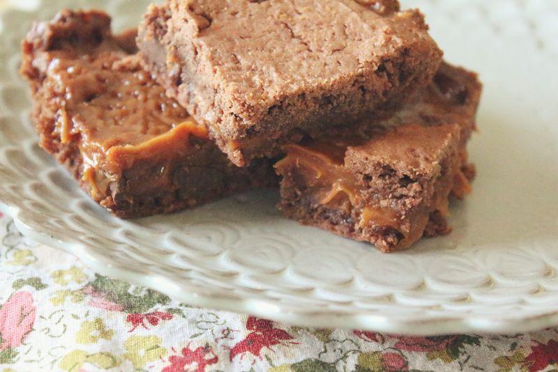 Just Make Stuff Blog...Caramel Brownies