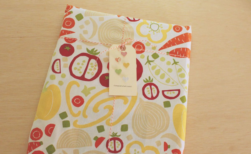 Dishtowel Gift Wrapping...Just Make Stuff Blog